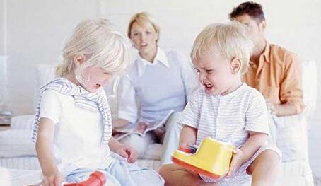 生活案例:家长要不要介入孩子的世界?