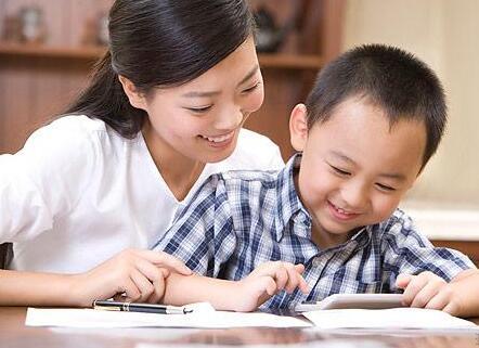 家庭教育:家长的肯定和鼓励对孩子有多重要?