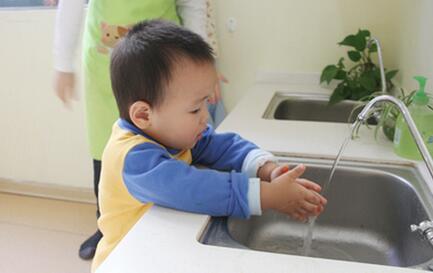 如何培养孩子的自理、自立能力呢?八种方法告诉你