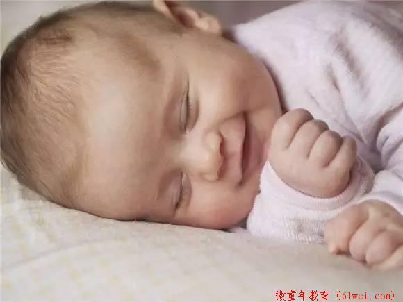 宝宝睡着了为什么会偷笑?这个解释有点意思