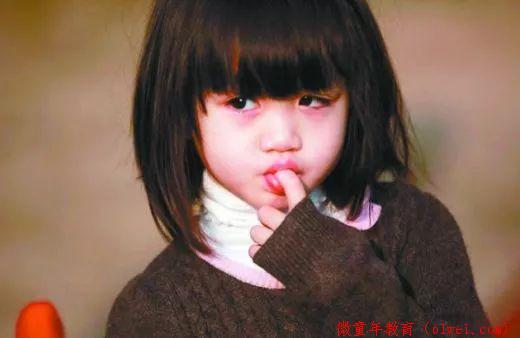 爸妈们注意了:孩子这9种行为属于心理问题,千万不要暴力制止!