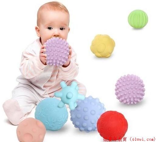 0-1岁让宝宝变聪明的10个亲子游戏,在家就能玩