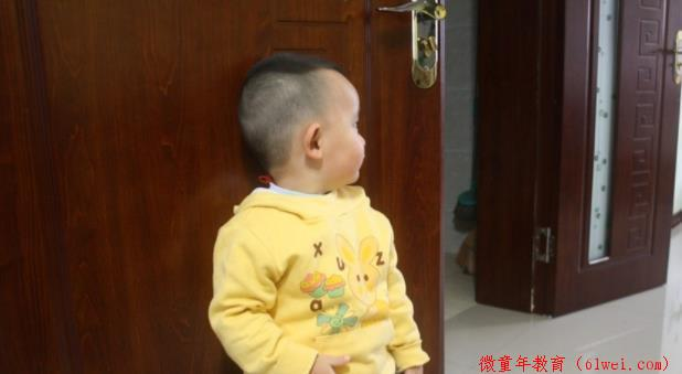 """儿科医生:3种食物堪称儿童""""身高杀手"""",嘴再馋,也不能给娃吃"""