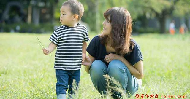 不与人比较,经常由衷赞赏孩子,是提升孩子自我肯定感的基础