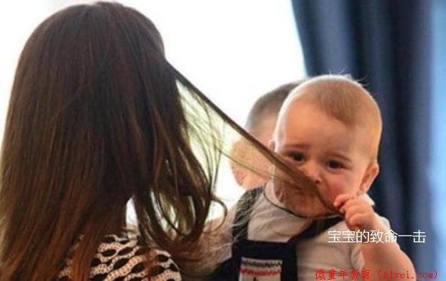 为啥宝宝喜欢拽妈妈头发不撒手?知道原因后的你,还忍心凶他吗?