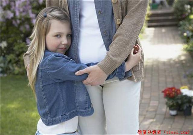 宝宝喜欢黏着妈妈?多半是这3个原因,不改正影响孩子安全感