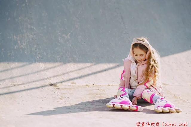 16岁女儿跟人开房,妈妈瞬间崩溃:该给女孩的4个底线教育,一定要趁早
