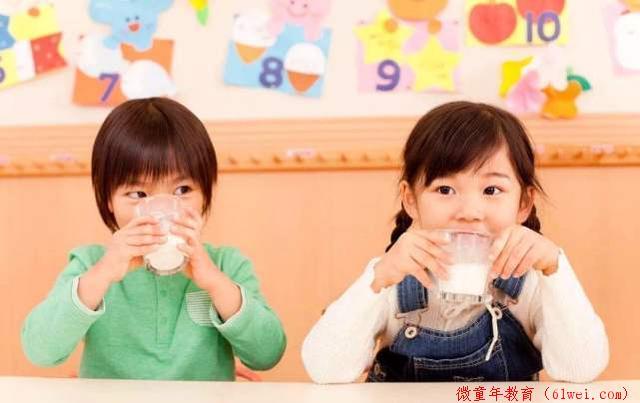 孩子缺钙会发出几个信号,父母在家就能自行判断,不必特意上医院