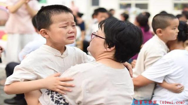 """""""妈妈,我做不到""""孩子没有自信总是很消极,最好少说我相信你"""