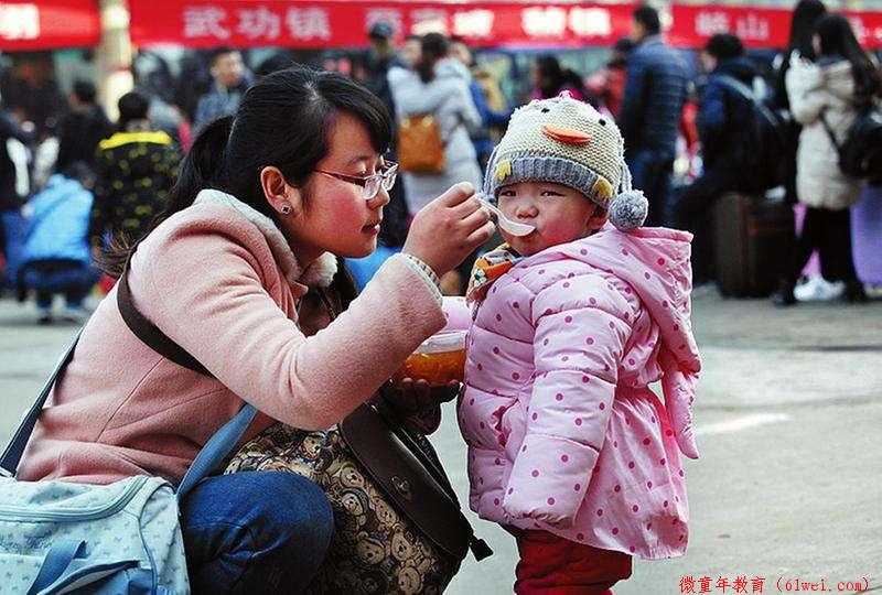 从小被喂饭长大的孩子成了啥样?你还在追着孩子喂饭吗