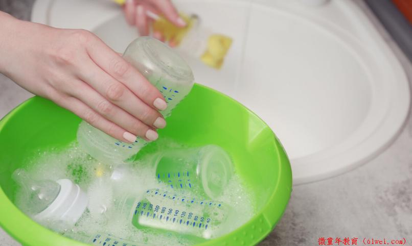 """开水""""涮""""奶瓶算消毒?父母别再""""坑娃""""了,来学习正确打开方式"""