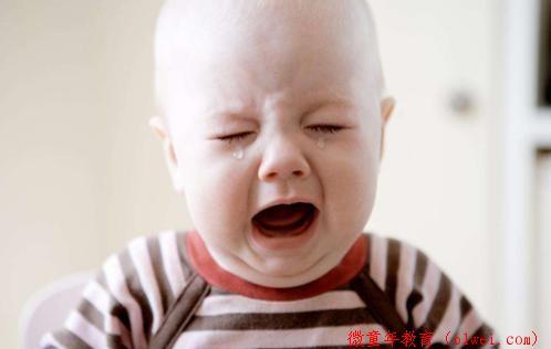 """为何宝宝看见""""某些人""""会突然哭泣?不是迷信,来看科学解释"""
